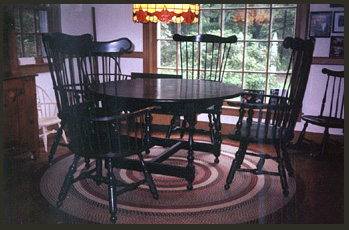 Round Tavern Table with Philadelphia Comb Back Chairs